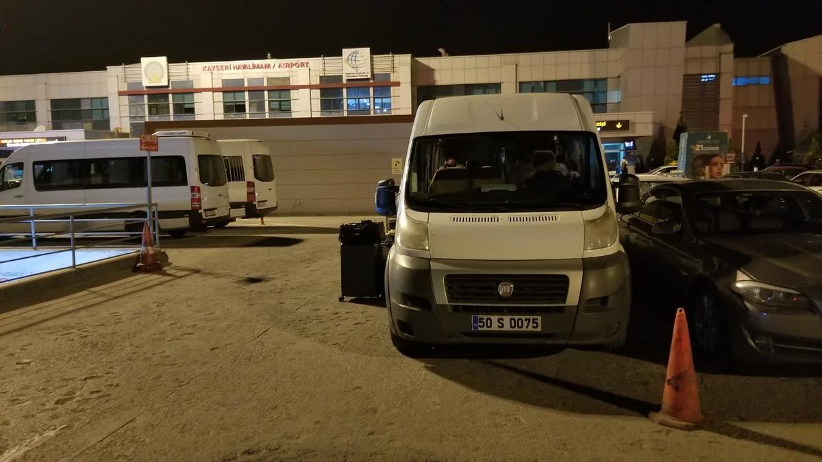 Российским туристам разрешили поехать в Турцию, но запретили выезжать из России. Как так вышло?