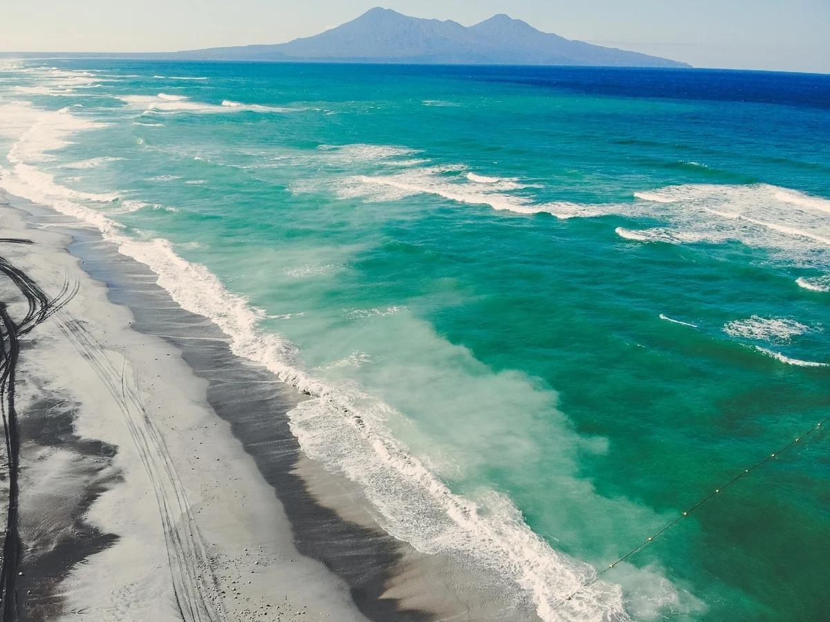 Такое красивое море и почему нельзя в нем купаться