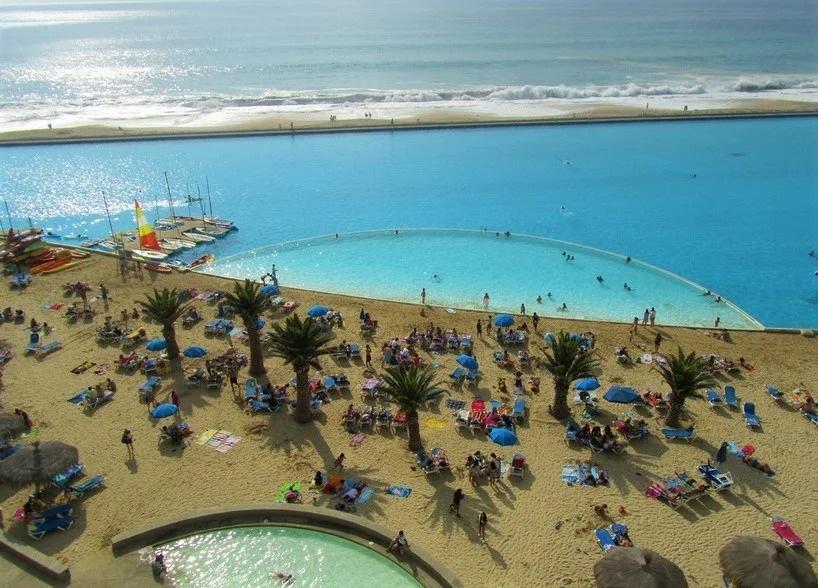 Кто и зачем построил самый большой бассейн в мире, если рядом Тихий океан