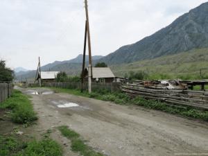 Побывал в Сибирской глубинке и посмотрел как живут в алтайских сёлах. Бедно, хотя и душевно