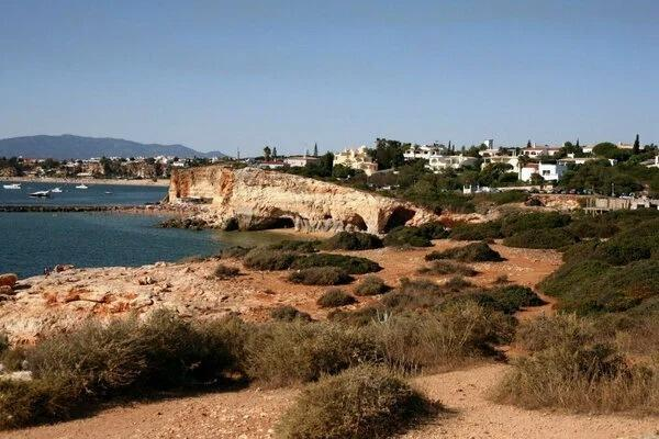 Почему все ездят в Турцию, Грецию и Кипр? Есть же другой отличный и недорогой курорт