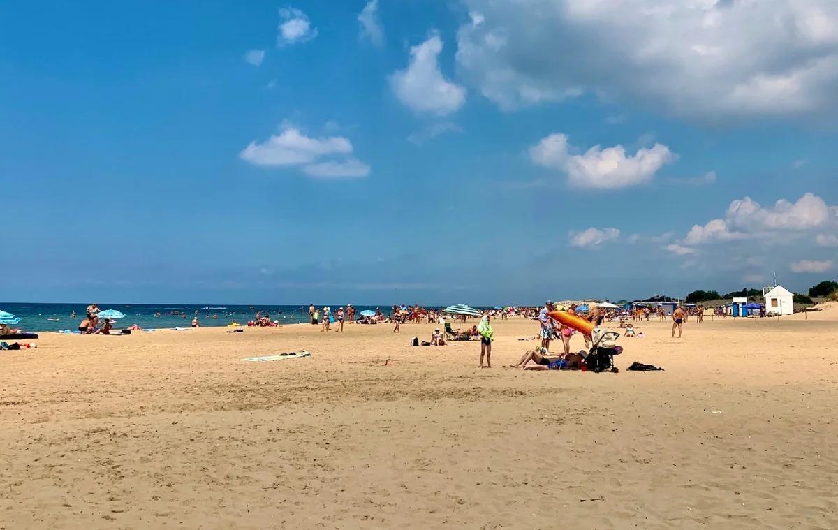 Пляж в Джемете покорил наши сердца. Пока что это лучший пляж из тех, где мы были за последние 5 лет.