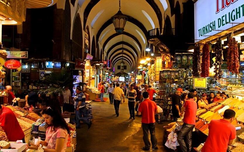 Почему на Гранд-Базаре в Стамбуле не нужно ничего покупать? Сейчас расскажу, что видел сам