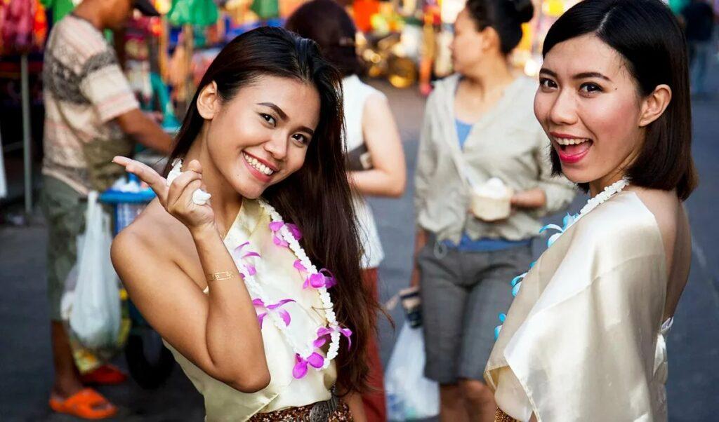 Что прячется за улыбками тайцев? Так ли они добродушны? Рассказ гида
