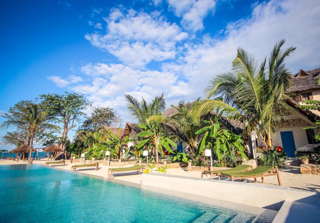 Рассмотрим несколько бюджетных отелей на пляже Джамбиани в Занзибаре