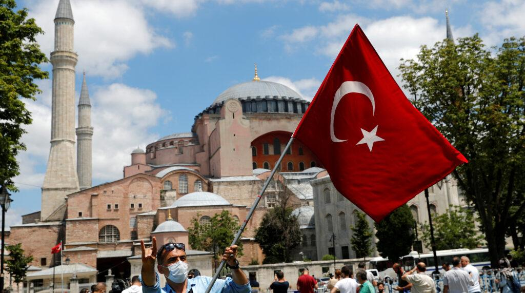 Как относятся турки к туристам из разных стран