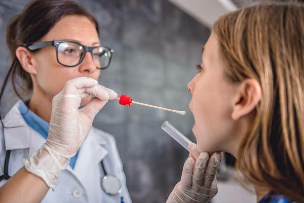 С новыми правилами въезд в Кубу превращается в постоянное тестирование на отсутствие коронавируса