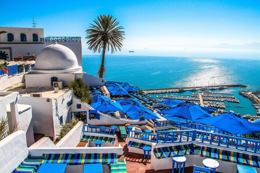 Тунис собирается побороться за российских туристов в 2021 году