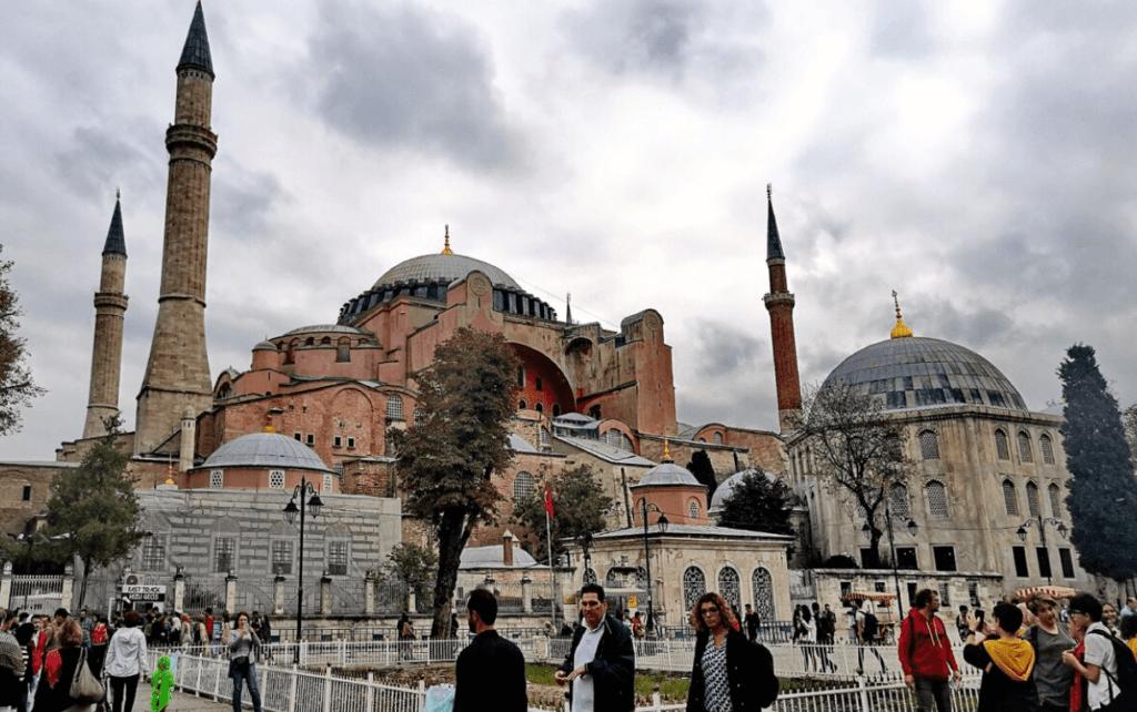 С 13 апреля новые правила въезда в Турцию, что ждет туристов?