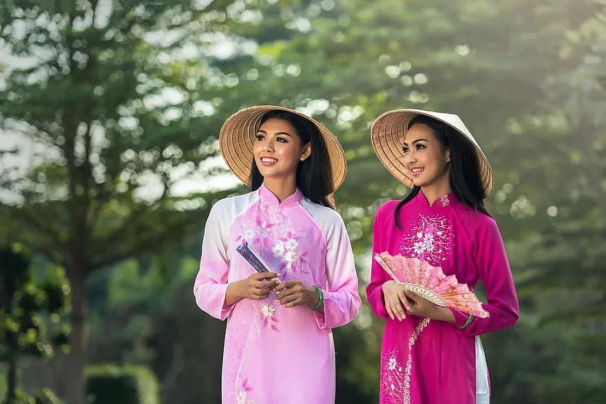 Менталитет вьетнамцев и тайцев, кто может стать другом туристу, а кто нет