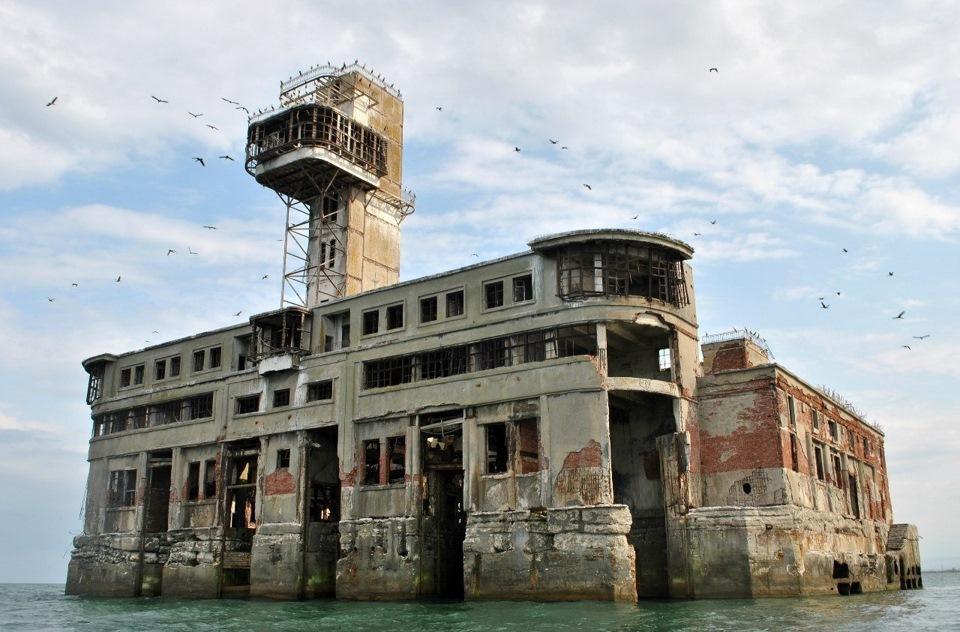Дагестанский форт Боярд! Каспийская крепость - опасна и необитаема.